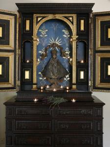 antique-cabinets-3
