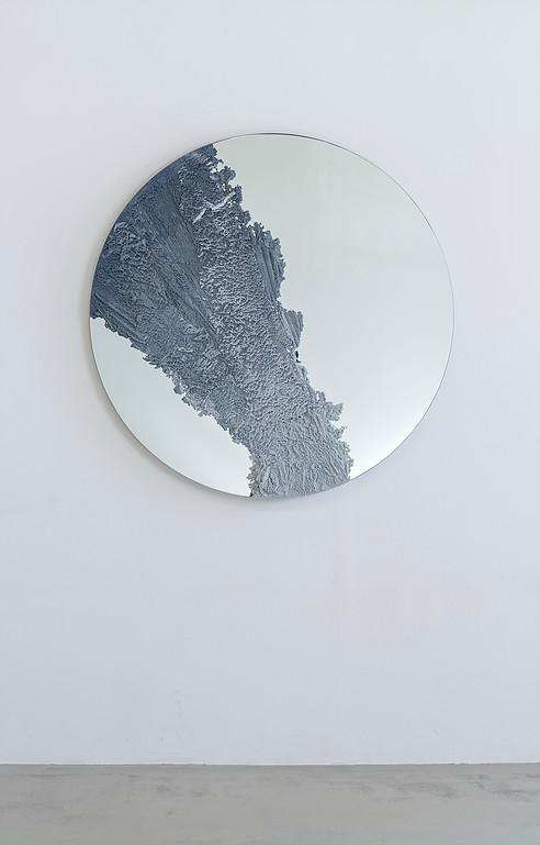 ombination of sand and mirror, by Fernando Mastrangelo